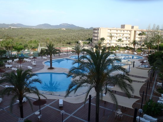 Club Cala Romani : The pool early morning