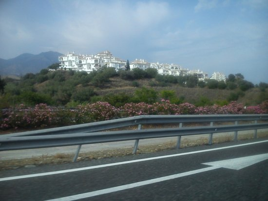 Hacienda Del Sol Apartments: Just a wee place we passed en-route to Malaga.
