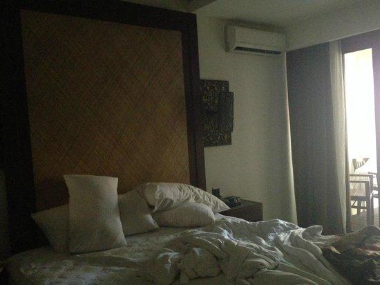 Best Western Kuta Villa: The smallish room...