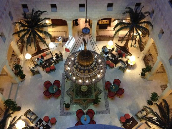Movenpick Resort Petra : The Lobby Lounge