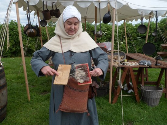 Bosworth Battlefield Heritage Centre and Country Park: A Spinning Lady