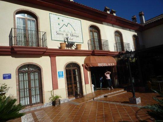 Hotel Sierra de Ubrique: Fachada