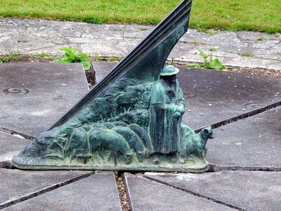 Cadran solaire de valette photo de jardins des pr s for Le jardin des fleurs bourges