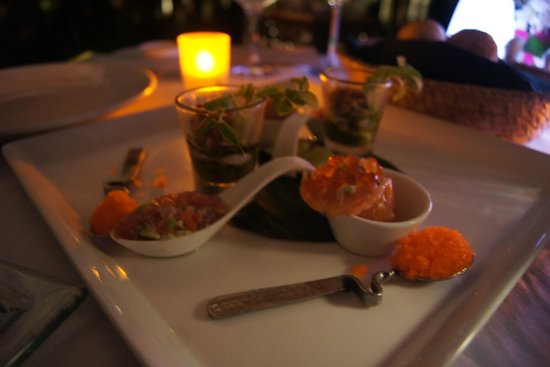 Banyan Tree Phuket: the yucky warm salmon tartar i had for this expensive romantic dinner