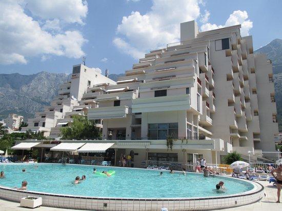 Hotel Meteor: Hotellet och poolen