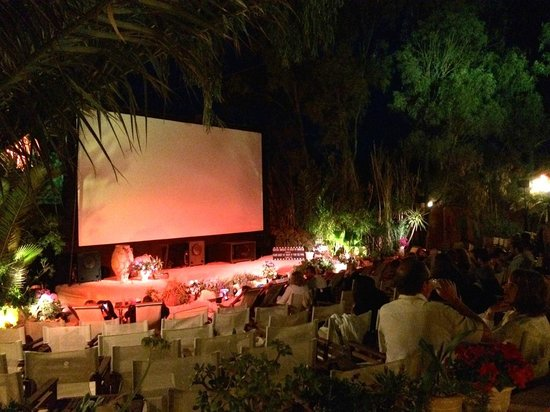 Open Air Cinema Kamari: Screen and garden