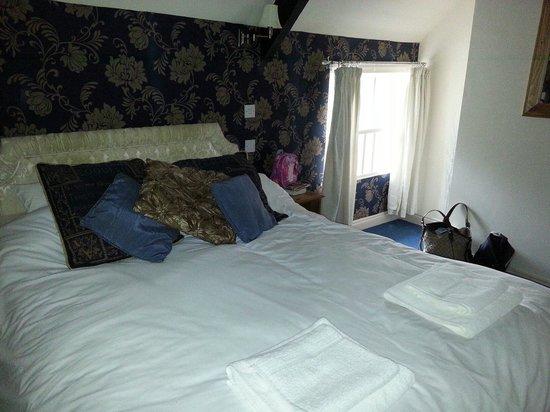 The Old Crown Inn : Blonde room