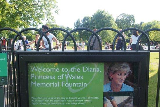 Diana Princess of Wales Memorial Fountain : Sign for Diana Fountain