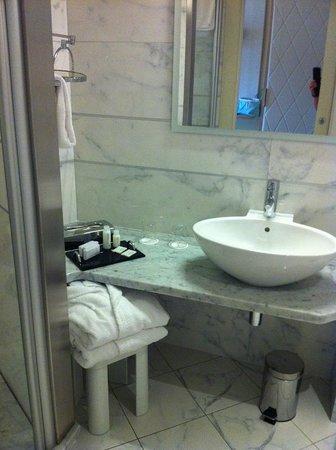 Hotel Kristal Palace - Tonelli Hotels: Bad