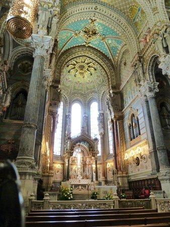 Basilique Notre Dame de Fourviere: inside