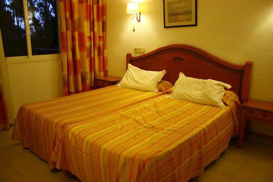 Aparthotel Elisa: Sovrummet