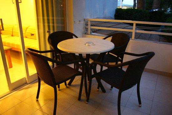 Aparthotel Elisa: Balkongen