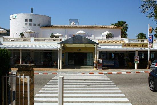 Universal Aparthotel Elisa: Receptionen