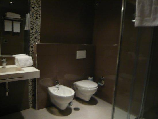 Esh Executive Style Hotel: Bathroom