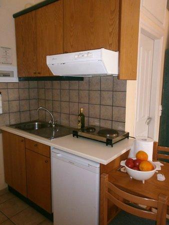 Inea Hotel: kitchen