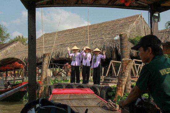 Mekong Lodge: Goodbye