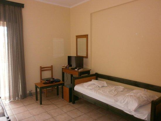 Inea Hotel: room