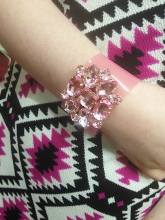 Nor Lisa Fashion Boutique: Pink cuff £15