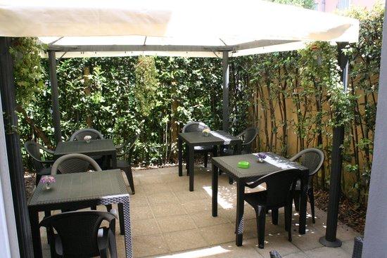 Il Seminario Bed & Breakfast : Outdoor breakfast area