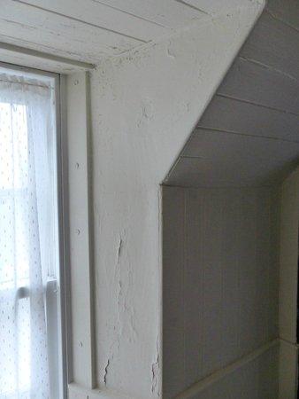The Ceilidh Place : paint peeling off