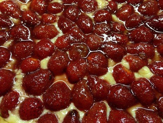 Annot, Frankreich: Tarte aux fraises