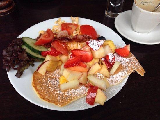Photo of German Restaurant Cafe Bar Esprit at Lange-geismar-str. 19, Goettingen 37073, Germany