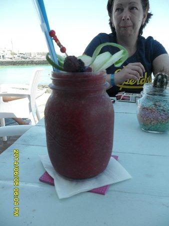 "Agua Tiki Bar: ""Summertime"" so refreshing"
