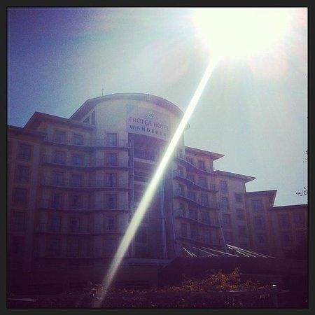 โรงแรมโปรที วันเดอเรอร์ส: Protea Hotel Wanderers