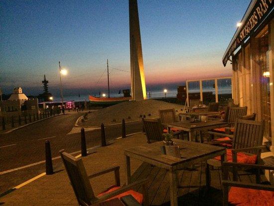 Carlton Beach The Hague / Scheveningen: The evening glow from the terrace