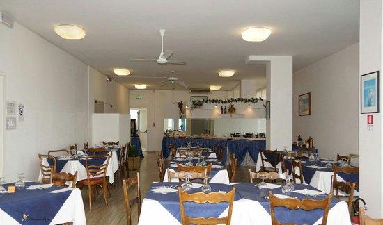 Hotel Roma: Sala pranzo  ..nuova gestione!!!!