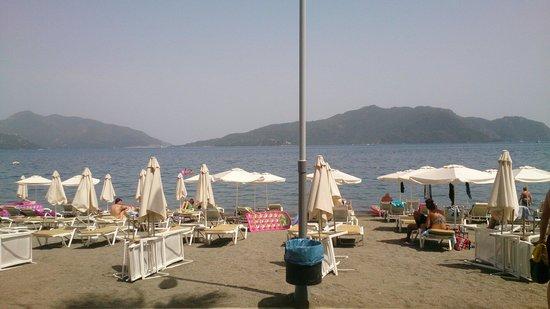 Hotel Marbella : Short walk to the beach
