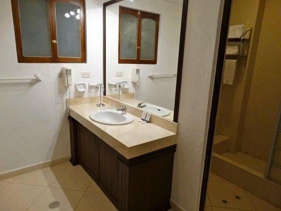 Hotel Hacienda del Valle: salle de bain