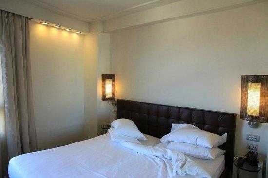 Hilton Florence Metropole: Bett
