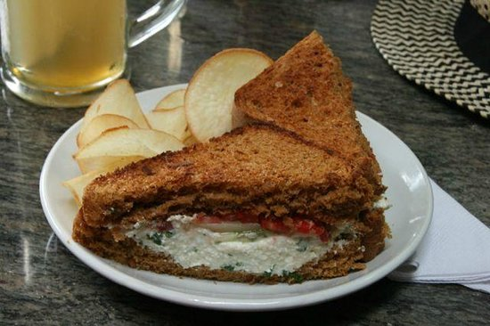 Kashi : homemade chips and sandwich
