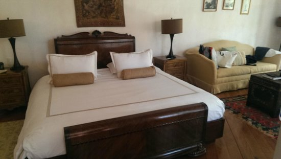 Casa Pestagua Hotel Boutique, Spa: A huge bed