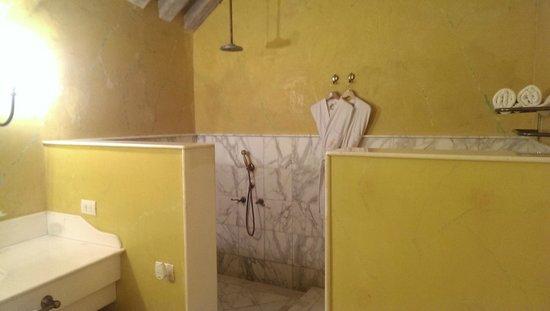 Casa Pestagua Hotel Boutique, Spa : The shower
