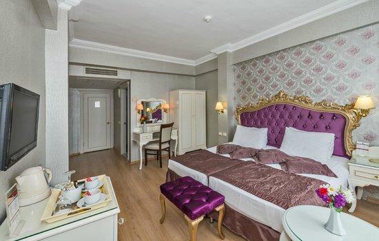 Santa Sophia Hotel : Queen