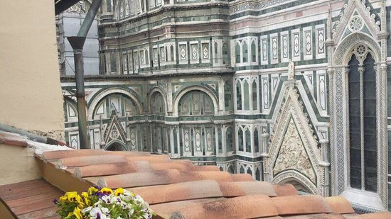 Hotel Duomo Firenze: Feels like you could touch it!