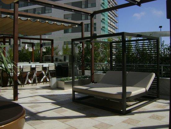 EPIC SANA Lisboa Hotel: Bar externo