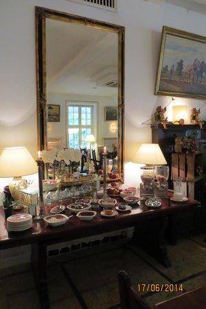 Waldhotel Silbermuehle: Dekoration Frühstückssaal