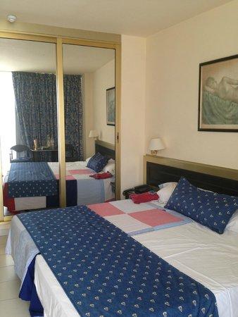 Mediterranean Palace Hotel: Номер