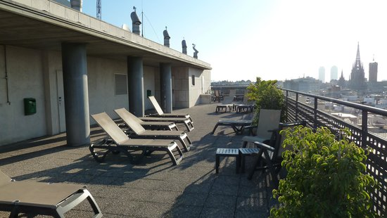 Citadines Ramblas Barcelona : roof top terrace