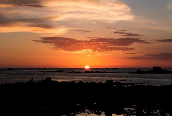 Maison de Bas Villa: A few minutes walk and you can watch the sunset.