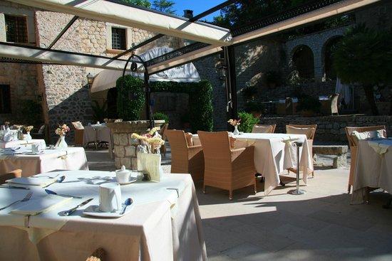L'Hermitage: Restaurantterrasse