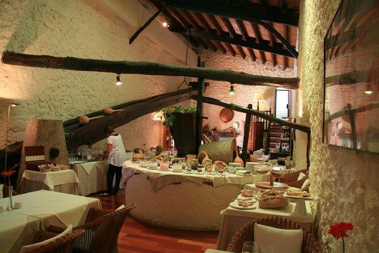 L'Hermitage: reichhaltiges Frühstücksbuffet