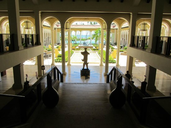 Paradisus Palma Real Golf & Spa Resort: Front lobby
