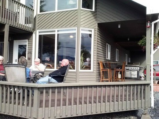 Sitka Point Lodge & Fishing Charters: Sitka point Lodge.