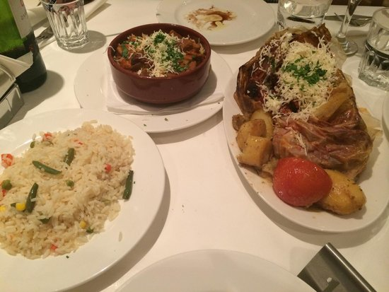 Kyklos Greek Restaurant : rice, a meat dish and a pork dish