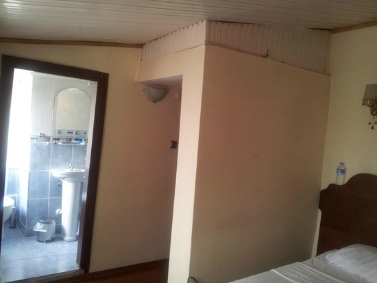 Asitane Hotel: plafond chambre