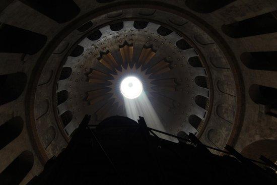 Église du Saint-Sépulcre (Jérusalem) : Луч света